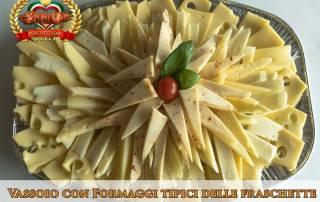 Fraschetta a domicilio vassoio con formaggi tipici delle freschette